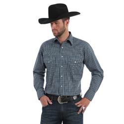 Wrangler Men's Wrinkle Resist Blue Brown Plaid Shirt